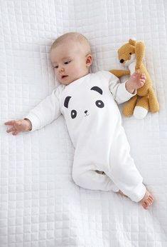 pyjamas pour bébé So Cute Baby, Baby Kind, Cute Babies, Baby Boy Fashion, Kids Fashion, Babies Fashion, Baby Boy Outfits, Kids Outfits, Pyjamas