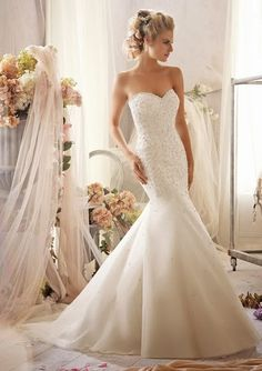 wedding dresses, wedding dress  Dont usually like mermaid dresses but this isnt too bad