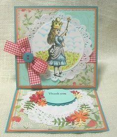 ビビッドな色使いのカード。空はコピックで手描きです。