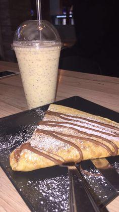 Crepes & Milkshake Kids 🍫 - different Milk Shakes, Crepes Nutella, Tumblr Food, Good Food, Yummy Food, Paleo Food, Paleo Diet, Snap Food, Food Snapchat