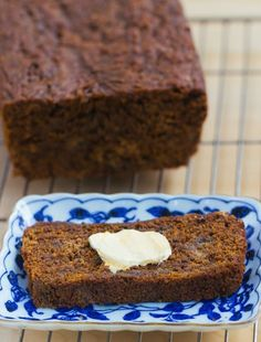 Gingerbread Banana Bread - a healthy and delicious breakfast recipe for the holidays: 1 1/2 cup mashed banana, 2 tsp cinnamon, 1/2 tsp cloves, 1/4 cup... https://chocolatecoveredkatie.com/2015/12/07/gingerbread-banana-bread/ @choccoveredkt