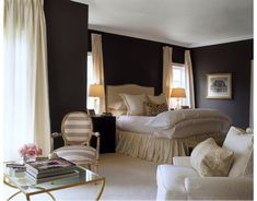 lights behind curtain bedroom | Source: http://www.housebeautiful.com/decorating/relaxed-design#slide ...