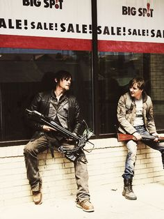 I loved this scene.  Grim days what happened next.  Haha.  #TWD #DarylDixon :)