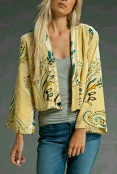 Winter Kate Jade Silk Burnout Velvet Wrap in Yellow Kimono Jacket, Silk Kimono, Kimono Style, Boutique Fashion, Short Kimono, Fashion Poses, Street Chic, Street Fashion, Kimono Fashion