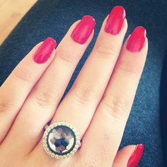 #nails #done #red #mimoneda #ring - @x_popjee- #webstagram