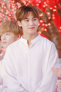 Discovered by Find images and videos about Seventeen, mingyu and kim mingyu on We Heart It - the app to get lost in what you love. Woozi, Jeonghan, Wonwoo, The8, Seungkwan, Vernon, Mingyu Seventeen, Seventeen Debut, Hiphop