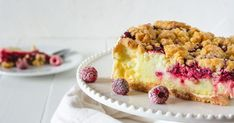 Jednoduchý koláčik sčerstvými malinami si zamilujete. Tiramisu, Cheesecake, Pie, Ethnic Recipes, Food, Cakes, Basket, Torte, Cake