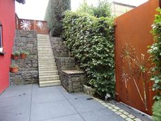 Tür und Tor - Stahl für den Garten und das Heim