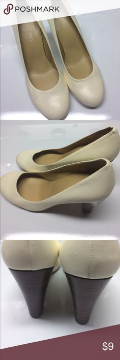 "Nine West Leather Heels Simply great cream colored Nine West High Heels. In good condition. Leather upper. 3"" Heels. Style Vexo   Size 7 medium. Smoke and pet free house. Willing to bundle items. See photos for more details. Nine West Shoes Heels"