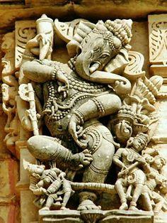 indian sculpture Dancing Ganesha of Shamlaji Ganesha Drawing, Ganesha Art, Lord Ganesha, Sri Ganesh, Buddha Sculpture, Sculpture Art, Ceramic Sculptures, Temple Indien, Om Gam Ganapataye Namaha
