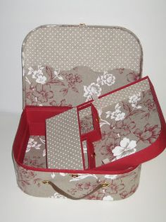 The little drawers in the removable tray are so cute! Used Cardboard Boxes, Cardboard Paper, Cardboard Recycling, Diy Crafts Vintage, Fabric Boxes, Tea Box, Organiser Box, Hat Boxes, Craft Bags