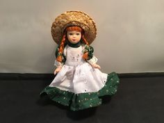 Anne of Green Gables & Anne Shirley - Vintage Porcelain Mini Doll in Dolls, Bears, Dolls, Vintage Anne Shirley, Anne Of Green Gables, Bears, Porcelain, Flower Girl Dresses, Dolls, Wedding Dresses, Mini, Vintage