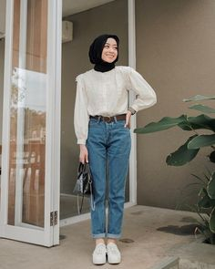 174 alternatives to shopping fast fashion – page 3 Modest Fashion Hijab, Modern Hijab Fashion, Street Hijab Fashion, Casual Hijab Outfit, Hijab Fashion Inspiration, Muslim Fashion, Look Fashion, Fashion Outfits, Ootd Hijab