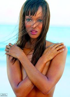 Tyra Banks Swimsuit | Tyra Banks SI Swimsuit Collection - 1997 - Sports Illustrated - SI ...