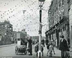 Fanfare dans Fulham, Londres - 1953 - Izis