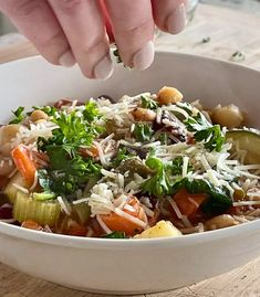 Healthy Olive Garden Minestrone Soup 15 Vegetarian Minestrone Soup, Olive Garden Minestrone Soup, Italian Soup Recipes, Chili Recipes, Great Northern Beans, Stuffed Pasta Shells, Olive Gardens, Dried Tomatoes