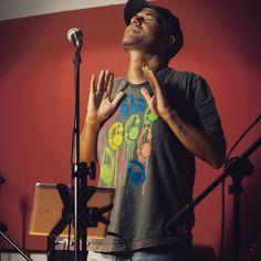 Presentación en vivo en #radio Fm Simphony #sanisidro desde estudios #larokola  #disco #PrimerEstado #music  #livemusic #buenosaires  #argentina #energy #iPadmusic