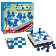 SOLITAIRE CHESS (VERSION JUEGO DE MESA): El juego tiene muchos retos. En cada reto hay que auto-comerse la piezas hasta dejar sólo una. Muy entretenido y útil para afianzar el movimiento de las piezas.