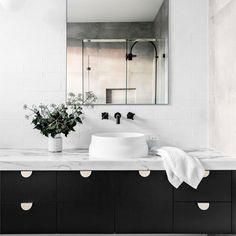 "16 Likes, 1 Comments - Lily Cumberland (@lilycumberland) on Instagram: ""Beautiful vanity. . . #bathroom #bathroomdesign #blackandwhite #interiors #interiorinspiration…"""