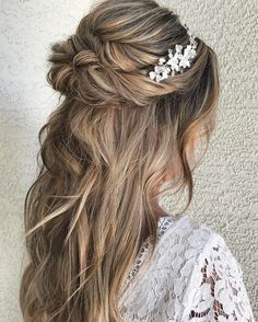 Looking for half up half down hairstyles, here are stunning Beautiful Half up and half down hairstyle for romantic brides + bride to be,great option