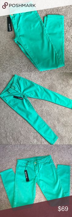 BLANKNYC Green Skinny Jeans Jeggings 29 Brand new, with tags!  Blanknyc green / mint skinny jeans   Size 29  Retail: $88  30 inch inseam  97% cotton | 3% spandex Blank NYC Jeans Skinny