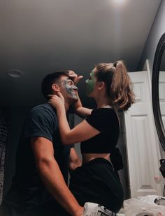 Weird Things Romantic Couples Do - Future Boyfriend Cute Couples Photos, Cute Couple Pictures, Cute Couples Goals, Romantic Couples, Couple Ideas, Couple Stuff, Cute Couple Selfies, Cute Love Couple, Beautiful Couple