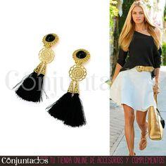 Los Linda son unos #pendientes de aires ochenteros perfectos tanto para #casuallooks como para tus eventos fiesteros. Póntelos con ropa negra y otros complementos dorados, ¡brillarás! ★ Precio: 13,95 € en http://www.conjuntados.com/es/pendientes-dorados-con-borlas-linda.html ★ #novedades #earrings #conjuntados #conjuntada #joyitas #jewelry #bisutería #bijoux #accesorios #complementos #moda #fashion #fashionadicct #picoftheday #outfit #estilo #style #GustosParaTodas #ParaTodosLosGustos