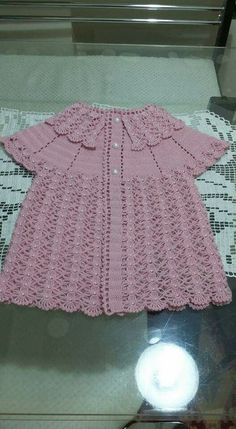This Pin was discovered by Ayl For your baby boy this vest will be a really nice choice. If you want to see more baby models, you can look at the examples below. Beautiful dress for baby girls, I wanted to share this with you too. Gilet Crochet, Crochet Vest Pattern, Baby Cardigan Knitting Pattern, Baby Knitting Patterns, Crochet Patterns, Crochet Girls, Crochet For Kids, Hand Crochet, Crochet Baby