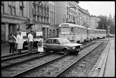 Auch damals sind die Autos schon in die Gleisbetten geraten. 1986. Accident, 1986.