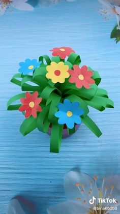 Paper Flowers Craft, Paper Crafts Origami, Paper Crafts For Kids, Craft Activities For Kids, Preschool Crafts, Fun Crafts, Origami Easy, Flower Crafts Kids, Origami Flowers