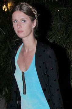 Nicky Hilton shows us how to pull off the boho inspired plaits up do. Apparently its simpler to do than it looks too. Festival Hair and Beauty