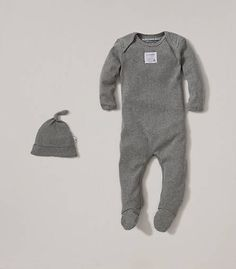 Bee Essential Footie Coverall & Knot Top Hat Set