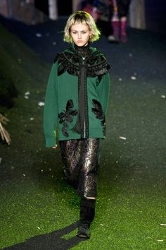 See the entire collection from the Marc Jacobs Spring 2014 Ready-to-Wear runway show. Ny Fashion Week, Fashion Show, Marc Jacobs 2014, Spring 2014, Summer 2014, Spring Collection, Ready To Wear, Runway, Menswear