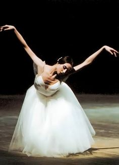 "And she takes her bow...this looks like ""Giselle""..."