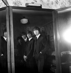 """The Beatles are a famous English band that originated in Liverpool, England. They became """"The Beatles"""" in 1960 and consisted of four very talented and incredibly influential musicians; John Lennon, Paul McCartney, George Harrison, and Ringo Starr. The Beatles 1, Beatles Band, Beatles Photos, John Lennon Beatles, Great Bands, Cool Bands, Liverpool, All My Loving, The Ed Sullivan Show"""