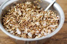 Buchweizen Granola mit Kascha, Haferflocken, Johannisbrot, Kokos-Öl, Mandeln