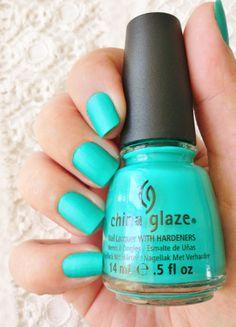 China Glaze : Turned up turquoise n°70345