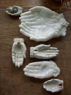 Milk Glass Hands Dish - grandma had a single hand dish, wonder if I have it packed up - need to get it out and use it.Hands--latest family photo by LolliePatchouliWhat about beeswax candles that are hand-shaped? One pointing up, a double wick candle Show Of Hands, Sculptures Céramiques, Hand Sculpture, Cabinet Of Curiosities, Hand Art, Milk Glass, Ceramic Art, Family Photos, Objects