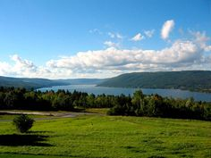 Summer Escapes: The Finger Lakes, upstate New York. Beautiful country! I've been there several times. Note by Roger Carrier