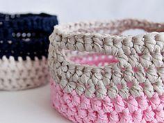 Ravelry: How to Make a Crochet Basket pattern by Marinke Slump.. Free pattern!