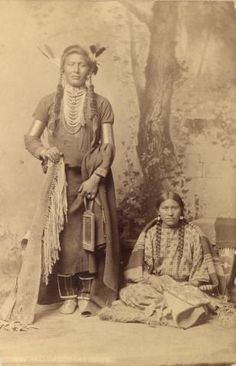 Old Coyote (aka Yellow Dog) and his wife - Crow - 1883