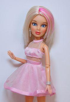 liv+dolls | Liv Dolls Sophie Liv Dolls, Baby Dolls, Barbie I, Barbie Clothes, Le Figaro, Bride Dolls, Diy Dollhouse, Custom Dolls, Doll Patterns