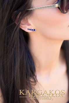 Inspired of geometric forms and exquisite materials we found a method to bring to life the modern approach of statement jewelry combined to fashion lines. Simple Jewelry, Modern Jewelry, Fine Jewelry, Circle Earrings, Gold Earrings, Jewelry Model, Geometric Jewelry, Silver Diamonds, Black Enamel