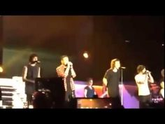 Zayn Malik Last Moments With One Direction At His Last Concert (VIDEO)