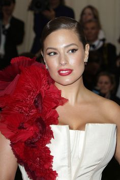 See the best hair and make-up from the Met Gala 2017 red carpet in full, close-up detail, from Cara Delevingne and Alexa Chung to Rihanna and Katy Perry Red Carpet Makeup, Ashley Graham, Victoria Secret Fashion Show, Cara Delevingne, Alexa Chung, Bikini Photos, Rihanna, Cool Hairstyles, Hair Makeup