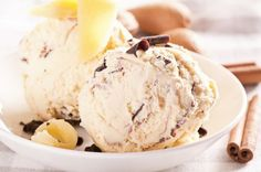 How to Make Cinnamon Ice Cream. Cinnamon has a sweet and fragrant taste and is one of the most widely used spices in all kinds of cooking; it's especially used to flavor desserts and. Cinnamon Ice Cream, Vanilla Ice Cream, Healthy Vegan Desserts, Vegan Dessert Recipes, Paleo, Make Ice Cream, Homemade Ice Cream, Frozen Custard, Frozen Yogurt