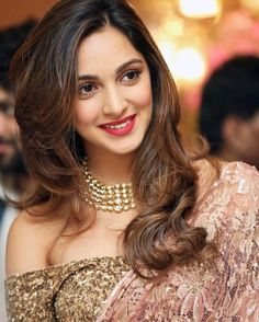 These sexy Kiara Advani boobs pictures will bring a big grin on your face. We have seen Kiara Advani boobs […] Beautiful Girl Indian, Most Beautiful Indian Actress, Beautiful Gorgeous, Indian Celebrities, Bollywood Celebrities, Beautiful Bollywood Actress, Beautiful Actresses, Kiara Advani Hot, Lace Saree