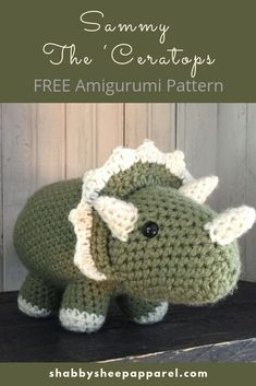 Cute, quick and easy crochet dinosaur triceratops. Cute, quick and easy crochet dinosaur triceratops. Crochet Dinosaur Pattern Free, Crochet Amigurumi Free Patterns, Crochet Animal Patterns, Crochet Blanket Patterns, Crochet Patterns For Beginners, Crochet Simple, Quick Crochet, Free Crochet, Crochet Crafts