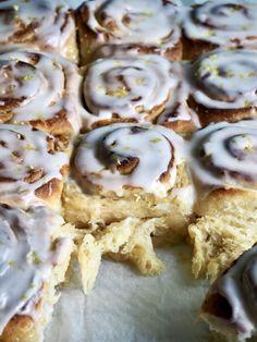 Sweet Buns, Food Tasting, Recipe Boards, Doughnut, Tea Time, Good Food, Food And Drink, Sweets, Snacks