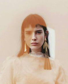 "7,358 mentions J'aime, 44 commentaires - Carlota Winder* (@carlottawinder) sur Instagram : ""Isabella Ridolfi wearing JW Anderson earings by Lauren Ceelis and Clare Byrne for W Mag. (via…"""